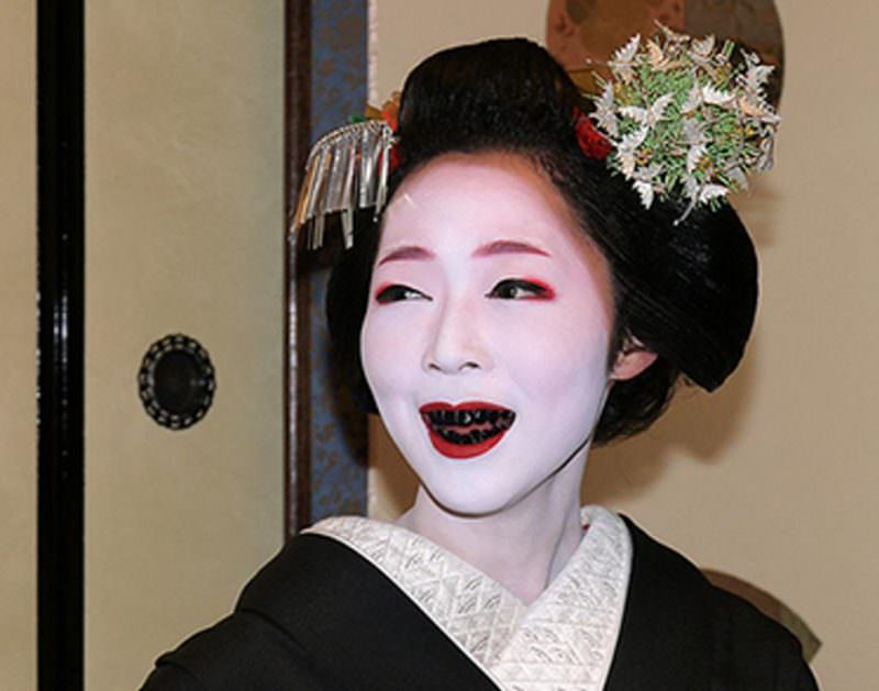 Ohaguro Tradition to Blacken Teeth in Japan